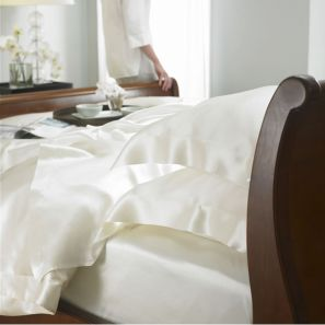 Gingerlily 100% Silk Ivory Fitted Sheet - King