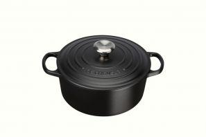 Le Creuset Signature 24cm Round Casserole - Satin Black